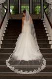 Ślubna zasłona z koronki koronki biała koronka średniej długości