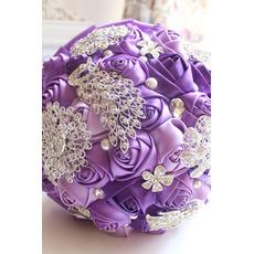 Purpurowy diamentowy perła fotostarzenie układ dekoracji twórczy gospodarstwa kwiaty