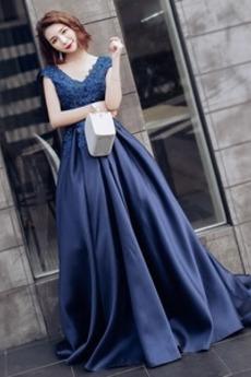 Ograniczona rękawy V serek Naturalne talii Sukienka na studniówkę